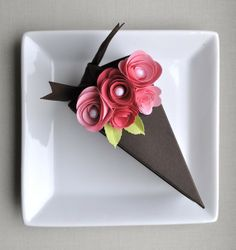 Cone Wedding Favour via Wedding dayz dresses. Click on the image to see more!  #weddingfavors #weddings