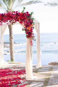 40  Great Ideas of Beach Wedding Arches | http://www.deerpearlflowers.com/40-great-beach-wedding-arches/