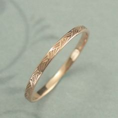 Pattern Ring Rose Gold Ring Brush Strokes Band Women Wedding Band Patterned Gold Band Antique Style Ring Art Deco Ring Vintage Style Hand cast in our studio, this band is part of my new line of thin patterned wedding rings. The hashmark desig Art Deco Ring, Anel Art Deco, Art Deco Jewelry, Jewellery Box, Jewellery Shops, Opal Jewelry, Jewelry Stores, Beaded Jewelry, Cartier Jewelry