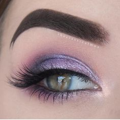 Makeup Geek Eyeshadows in Drama Queen, Peach Smoothie, Carnival, Curfew, Motown, Taboo and Pillow Talk + Makeup Geek Foiled Eyeshadow in Day Dreamer and Whimsical. Look by: theclassicalmua