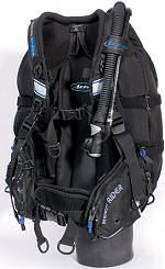 Travelling Light - Divernet. Lightweight Diving gear for travelling or sailboat cruisers.