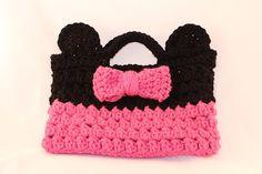 minnie mouse purse crochet pattern | Found on oursevendwarfs.com