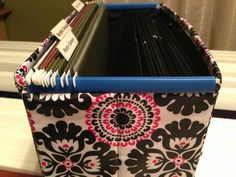 Thirty-One Fold N' File - use report cover spines to keep the ends from bending and help folders glide better. Thirty One Office, Thirty One Party, Thirty One Business, Thirty One Uses, My Thirty One, Thirty One Gifts, Thirty One Organization, Organizing Tips, Office Organization