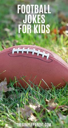 Enjoy these football jokes with your kids! If you love sports these are great jokes and riddles to enjoy together! Free printable lunchbox jokes!