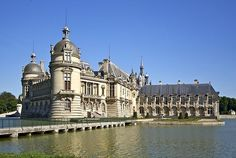 best day trips out of Paris chateau-chantilly-77173_640