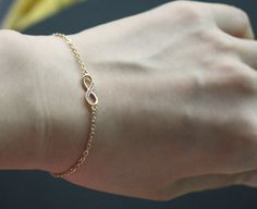 Bridesmaid gifts - Set of 5 - Infinity simple bracelet in gold