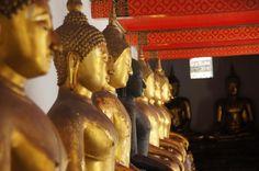 Buddha Statuen sind ein häufiges Bild in Bangkok. #Bangkok #Thailand #erlebeFernreisen