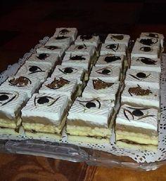 Elképesztő sikere van, mióta kipróbáltuk, a család folyton ezt kéri. Hungarian Desserts, Hungarian Recipes, Winter Food, Nutella, Tiramisu, Waffles, Cheesecake, Dessert Recipes, Sweets