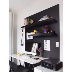 Homeoffice  Decor: Buji Foto: @flarefoto  #homeoffice #lousa #black #superbuji