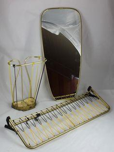 art deco aluminium wandgarderobe mit spiegel garderobe bauhaus art deco objekte. Black Bedroom Furniture Sets. Home Design Ideas