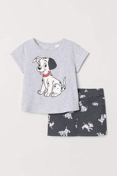 Set with a top and skirt with printed design. Short-sleeved top in soft cotton jersey. Skirt in stretch twill with zip fly, button, and mock front pockets. Cute Pajama Sets, Cute Pajamas, Disney Baby Clothes, Disney Outfits, Girls Fall Outfits, Baby Boy Outfits, Baby Girl Fashion, Kids Fashion, Lion King Baby