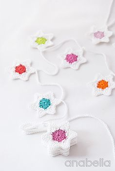 [Free Pattern] Easy, Fresh And Quick To Make Crochet Six-Pointed Stars Christmas Garland - Knit And Crochet Daily