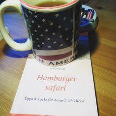 Buchüberarbeitung. Stilvoll mit USA Tasse und USA Tee☕️🇺🇸 #hamburgersafari #autor #buch #usa
