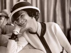 Coco Chanel – The Tweed Suit  Coco Chanel ditched the corset and made the tweed suit her signature. Stacking up strands of pearls with the classic collarless jacket and a trimmed skirt became her trademark as well as a standard formal look for women looking to emulate her effortless elegance.