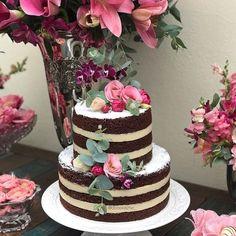 Temas Para Festa de 18 Anos - 58 Ideias Incríveis Que Lhe Encantar! Wedding Cake Decorations, Birthday Party Decorations, Wedding Cakes, Bolo Nacked, Aloha Party, 60th Birthday Cakes, Flamingo Birthday, Tropical Party, Cake Gallery
