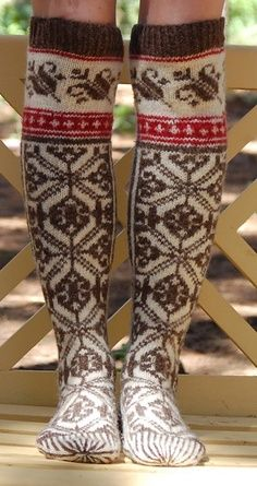 Socks Drops Ravelry: pencilinthepines' feels like winter socks Try: shorter socks, red rib knit on top, then straight into brown and white fair isle pattern. Fair Isle Knitting, Knitting Socks, Hand Knitting, Knitting Patterns, Boot Cuffs, Boot Socks, Fun Socks, Warm Socks, High Socks