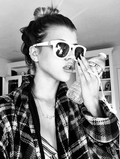 Sofia Richie, Glomour Sun glasses summer plaid