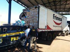 PRF apreende 140 mil maços de cigarro em caminhão que transportava frango em Seberi