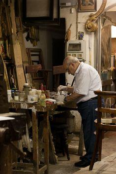 /\ /\ . Furniture artisan, Florence