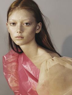Vogue-Italia-April-2017-by-Mert-Alas-Marcus-Piggott-00a-Sara-Grace-Wallerstedt – VISUALIZING.FASHION