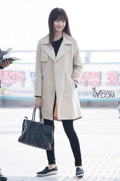 GIRLS GENERATION, the best source for photography, media, news and all things related. Snsd Fashion, Asian Fashion, Girl Fashion, Fashion Outfits, Korean Airport Fashion, Yoona Snsd, Airport Style, Girl Model, Girls Generation