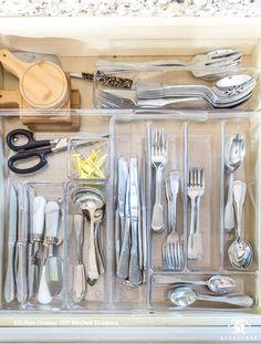 New Kitchen Drawers Ideas Kitchen Cupboard Designs, Tidy Kitchen, Real Kitchen, Diy Kitchen Decor, Kitchen Drawers, Kitchen Tops, Interior Design Kitchen, Kitchen Ideas, Organized Kitchen
