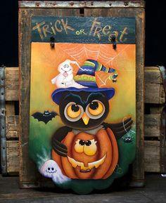 Halloween owl and pumpkin plaque