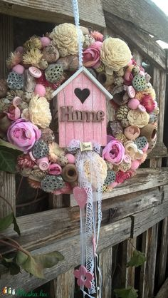 Sunflower Wreaths, Wine Bottle Crafts, Easter Wreaths, Beautiful Homes, Christmas Crafts, Homemade, Creative, Outdoor Decor, Flowers