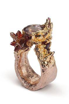 Funky Jewelry, Modern Jewelry, Jewelry Art, Jewelry Accessories, Jewelry Design, Unique Jewelry, Geek Jewelry, Gothic Jewelry, Designer Jewelry
