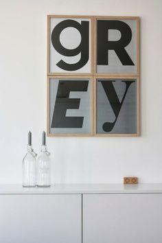 LEUCHTEND GRAU: Buchstaben-Poster