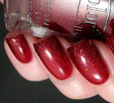 Gorgeous ... I now need that Essie polish :s