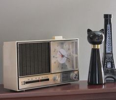 vintage radio  RCA  Mad Men decor by TheWillies on Etsy