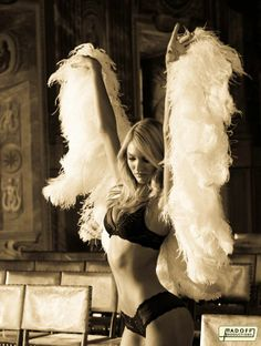 vs angel- cant wait for the fashion show!