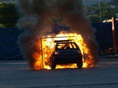 """Popisy kaskaderów na Sanockiej - słowacka grupa Extreme Cascaders Team w Przemyślu!   Nie mogło obyć się bez palenia gumy. Każdy z elementów programu miał swoją nazwę, by wspomnieć o: """"Street Cars Show"""", """"32 Action"""", """"Modern Gladiators"""" czy """"Man of Fire"""".   #stunts #drift #BMW #RaymundStaubert"""