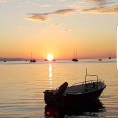 Buongiorno dal golfo di Mola tra #portoazzurro e #capoliveri. Continuate a taggare le vostre foto con #isoladelbaapp il tag delle vostre vacanze all'#isoladelba  http://ift.tt/1NHxzN3