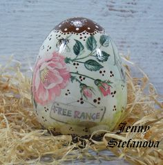 Decoupage by Jenny Stefanova Easter Eggs, Decoupage, Christmas Bulbs, Holiday Decor, Home Decor, Easter Activities, Decoration Home, Christmas Light Bulbs, Room Decor