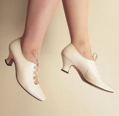 Vintage 1980s Ivory Cream Leather Lace up Shoes / by BasyaBerkman