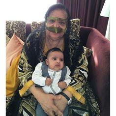 Mama Nora con Rashid bin Mohammed bin Hamad Al Sharqi, 04/2016. Vía: mamanooora