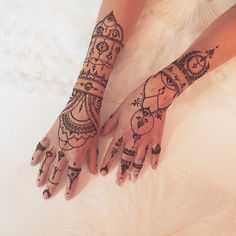 Super Ideas For Tattoo Finger Simple Mehndi Designs Henna Tattoo Hand, Hand Tats, Henna Tattoo Designs, Henna Mehndi, Henna Art, Finger Tattoos, Body Art Tattoos, Bridal Henna Designs, Bridal Mehndi