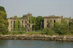 Abandoned Smallpox hospital, Roosevelt island, New York , NY, USA    I  Artificial Owl