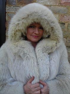 Fabulous Fox, Fox Fur, Parka, Hoods, Furs, Fur Coat, Lady, How To Wear, Cream