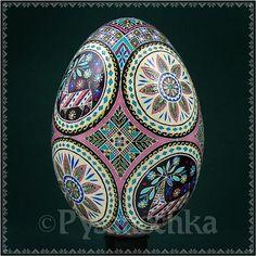 Real Ukrainian Pysanka Goose Pysanky Best by Halyna Easter Pattern Art, Art Patterns, Carved Eggs, Ukrainian Easter Eggs, Egg And I, Egg Decorating, Diy Art, Fiber Art, Folk Art