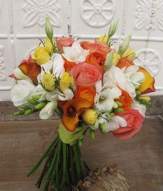 coral-peach-white-orange-yellow-wedding-flowers-Vermont