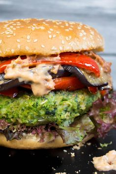 You don't feel like eating your veggies today? Just eat this green monster veggie burger with grilled eggplant and vegan sun-dried tomato mayo instead! Veggie Recipes, Whole Food Recipes, Vegetarian Recipes, Cooking Recipes, Healthy Recipes, Burger Recipes, Dinner Recipes, Clean Eating, Vegetarian Grilling