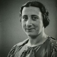Edith Frank-Höllander, mother of Margot and Anne Frank, in May Anne Frank, Margot Frank, Frank Martin, Jewish History, Ancient History, Corrie Ten Boom, Rosa Parks, Important People, School Photos