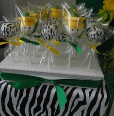 Wild Zebra Stripes with school colors!! Graduation/End of School Party Ideas | Photo 4 of 12 | Catch My Party