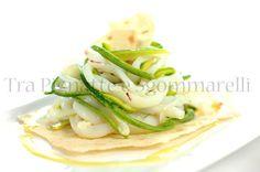 Julienne di calamari e zucchine a bassa temperatura, con olio all'erba cedrina | Tra pignatte e sgommarelli