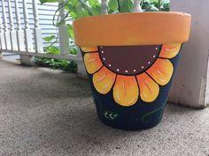 Flower Pot Art, Flower Pot Design, Clay Flower Pots, Flower Pot Crafts, Clay Flowers, Gift Flowers, Diy Flower, Floral Design, Clay Pot Projects