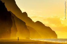 Sunset over Kalalau Beach in Hawaii by Ludo Koos
