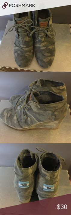 TOMS Camouflage Sneaker Wedges Comfy camo wedges by TOMS. Women's size 8.5. TOMS Shoes Wedges